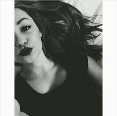 Yakeen Girl Pictures Instagram Pose Fake Girls