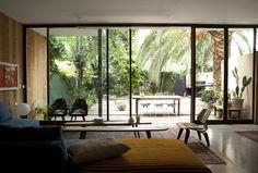 Fantastic Bohemian Style Living Room Design - Home Decor Ideas Interior Exterior, Home Interior Design, Interior Architecture, Interior Doors, Futuristic Architecture, Living Room Designs, Living Spaces, Deco Design, Modern Retro