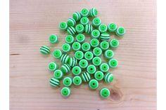 Χάντρα Νο10 27314G  Χάντρες πράσινες με λευκή ρίγα.Μέγεθος: 10mmΣυσκευασία 50 τεμαχίων. Triangle, Beads, Beading, Bead, Pearls, Ruffle Beading, Pony Beads, Seed Beads