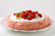Raspberry flavored meringue topped with Cool Whip and fruit ~ Raspberry Pavlova - Save the best for last with this delicious JELL-O dessert! Easy Desserts, Delicious Desserts, Yummy Food, Cold Desserts, Summer Desserts, Jello Recipes, Dessert Recipes, Dessert Ideas, Yummy Recipes