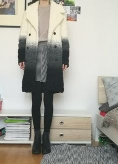 Zara, Mantel, Fur Coat, Jackets, Fashion, Coats With Fur, Spinning Top, Reach In Closet, Kleding