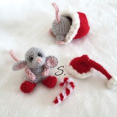 Mr. Jingles e Gas christmas amigurumi mouse crochet free pattern by Sara B.