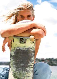 Alex Hayes, Surf Style Men, Surfer Guys, Emo, Boys Long Hairstyles, Skater Boys, Cool Skateboards, Punk, Gothic