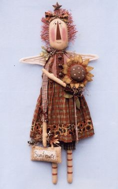 This is a pattern to make Harvest Annie Angel. She is a 30 hanging (or sitting) doll made from muslin that is coffee stained and painted. Barn Quilt Patterns, Craft Patterns, Easy Primitive Crafts, Primitive Decor, Prim Decor, Primitive Country, Motifs Primitifs, Annie Angel, Christmas Angel Ornaments