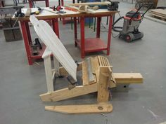 Adirondack – SEGPACAP Wood Patio Furniture, Outdoor Furniture Plans, Funky Furniture, Pallet Chair, Diy Chair, Cool Woodworking Projects, Wood Projects, Adirondack Chair Plans, Backyard Seating