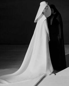 #balenciaga #blackandwhite #moda #couture #style #fashion #glam #glamour #photographer #oriental #model #blackandwhite #allure #beauty #class