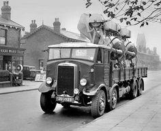 Leyland . octopus - 1937. Antique Trucks, Vintage Trucks, Cool Trucks, Big Trucks, Old Lorries, Big Plants, Commercial Vehicle, Classic Trucks, Motor Car
