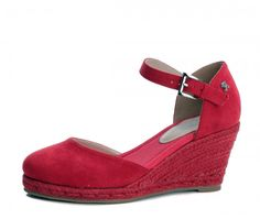 a3e2741b6a7e The new Refresh 69730 women s espadrille sandals are a stylish choice for  the summer. The