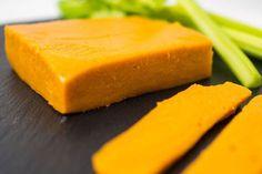 Veganer Cheddar-Käse – unglaublich überzeugend
