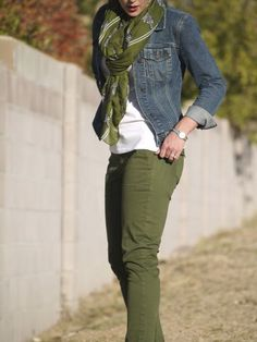 Part of the reason I am asking for a denim jacket for Christmas! – Daily Fashion Outfits Part of the reason I am asking for a denim jacket for Christmas! Green Jeans Outfit, Olive Pants Outfit, Army Green Pants, Outfits With Olive Pants, Army Green Jacket Outfit, Colored Jeans Outfits, Olive Green Outfit, Coloured Jeans, Colored Pants