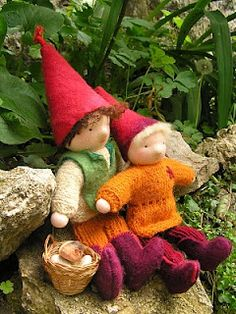 Waldorf wee folk dolls, little people... Finger puppets!!!