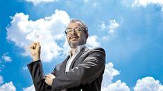 """Ela abriu seu primeiro data center em 2011. Hoje, conta com três centros de dados. A Microsoft iniciou sua estratégia em 2014. O Google foi o último a chegar. Seu data center foi inaugurado em setembro do ano passado. A localização exata dessas operações é mantida sob sigilo para garantir a segurança dos dados. """"Essas empresas estão aproveitando uma mudança no pensamento dos CEOs brasileiros, que é transformar o custo de tecnologia de fixo para variável"""", afirma Pietro Delai, gerente de… Custo, Microsoft, Google, Fictional Characters, Battle, September, Past, Cloud, Search"""
