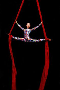 I love it! But it is only begging aerial! I am advance...........p.s. that is 2 foot wrap! Aerial Hammock, Aerial Hoop, Aerial Arts, Aerial Acrobatics, Aerial Dance, Aerial Silks, Stavanger, Nocturne, Aerial Gymnastics