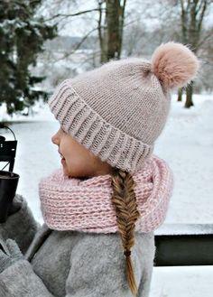 Pipoja on syntynyt pienin variaatioin useita talven mittaan ja taisin heikkona hetkenä luvata kirjaavani pipo-ohjetta tänne blogiinkin. T... Knitting For Kids, Baby Knitting, Knitting Ideas, Diy And Crafts, Arts And Crafts, Handicraft, Knitted Hats, Shawl, Knit Crochet