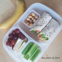 Quick and Healthy lunch idea! Snacks For Work, Lunch Snacks, Healthy Snacks For Kids, Kid Snacks, Lunch Meal Prep, Healthy Meal Prep, Healthy Eating, Healthy Recipes, Healthy School Lunches