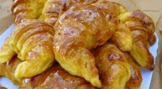 club -&nbspextranews Resources and Information. Greek Sweets, Greek Desserts, Greek Recipes, Pastry Cook, Baking And Pastry, Croissants, Food Network Recipes, Cooking Recipes, The Kitchen Food Network