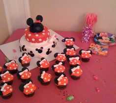 Mini mouse cake and cupcakes