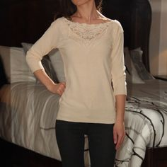 Forever 21 sweater In great condition forever 21 sweater with 3/4 length sleeves. Loose fit for those who are XS Sweaters