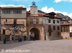Plaza Nueva junto a la muralla de Poza de la Sal, Burgos