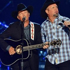 George Strait and Garth Brooks perform together for the first time...AMC 2013