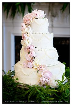 white and pink peony wedding cake. Delicate and romantic wedding cake. chocolate filling. Floral cake. www.laurendrogers.com