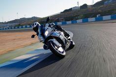 http://www.totalmotorcycle.com/motorcycles/2014models/2014-BMW-HP4b.jpg
