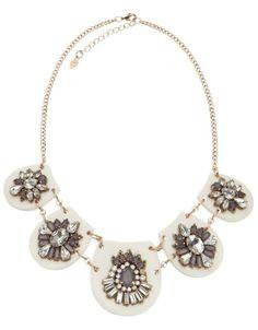 Magnolia Perspex Statement Necklace 34,90€
