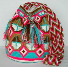 Tapestry Bag, Tapestry Crochet, Mochila Crochet, Crotchet Patterns, Crochet Purses, Crochet Home, Crochet Fashion, Cross Stitch Patterns, Purses And Bags