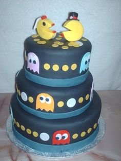 Cute Pac Man cake - with just one topper for a kid party