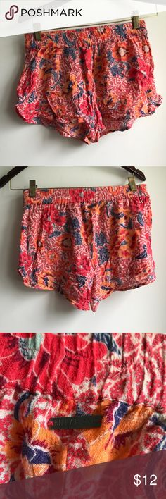 BILLABONG floral soft shorts pink and orange and navy soft shorts from billabong perfect for a day at the beach or pool or just running around. very soft, elastic waistband. Billabong Shorts