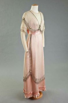 Early 20th century gown