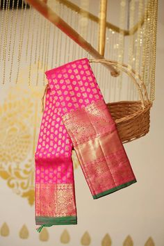 Beautiful Kanjeevaram ,Beneres ,Ikkat, Dharmawaram…Directly from the Weavers! So Brides now all the search for beautiful sarees is at one place. Wedding Silk Saree, Indian Bridal Lehenga, Indian Beauty Saree, Indian Sarees, Ethnic Sarees, Kuppadam Pattu Sarees, Silk Saree Kanchipuram, Silk Saree Blouse Designs, Saree Shopping