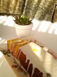 Το πιό εύκολο κέικ λεμόνι! http://twominutesangie.blogspot.gr/2014/08/blog-post.html