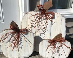 Your place to buy and sell all things handmade Fall Wood Crafts, Thanksgiving Crafts, Thanksgiving Decorations, Halloween Decorations, Fall Decorations, Wooden Pumpkin Crafts, Rustic Thanksgiving, Wooden Pumpkins, White Pumpkins