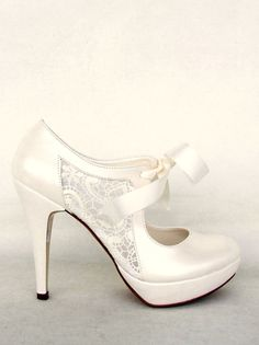 Lace Bridal Shoes with Ribbons in ivory 4 by KUKLAfashiondesign