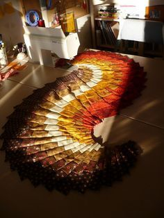 I saw this pattern called Spicy Spiral Table Runner in my local quilt store and it sucked me in. It takes eight fat quarters or quarter-yar. Patchwork Table Runner, Table Runner And Placemats, Quilted Table Runners, Bargello Patterns, Bargello Quilts, Table Runner Tutorial, Table Runner Pattern, Table Topper Patterns, Table Toppers
