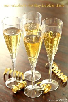 Non-Alcoholic Bubbly Drink (aka Mock Champagne) – Six Sisters& Stuff Non Alcoholic Champagne, Champagne Recipe, Non Alcoholic Drinks, Fun Drinks, Yummy Drinks, Martini, Bubble Drink, Purple Cocktails, Drink