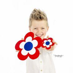 Gratis print til =)   17. Mai-blomster // DIY // Gratis, både til fargelegging og ferdig Ark, Kids Rugs, Home Decor, Decoration Home, Kid Friendly Rugs, Room Decor, Interior Design, Home Interiors, Nursery Rugs