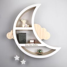 A handcrafted selection of the most beautiful shelves. Add a unique and exciting finish to your new baby nursery with our handcrafted, personalised wall shelves. Our unique range of themed shelves and book shelves make ideal storage furniture and cre