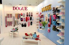 A sneak peek behind the scenes with pet brand, DOGUE and how they become one of Australia's most stylish dog brands. Dog Grooming Shop, Dog Grooming Salons, Pet Store Display, Retail Displays, Shop Displays, Merchandising Displays, Window Displays, Pet Spa, Dog Cafe