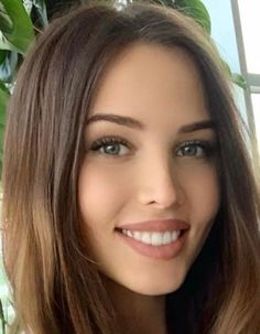 Smile makes all the difference. Most Beautiful Faces, Beautiful Lips, Gorgeous Women, Girl Face, Woman Face, Cute Beauty, Interesting Faces, Pretty Face, Pretty Woman