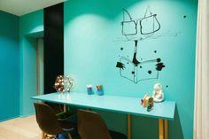Casas modernas por Agence d'architecture intérieure Laurence Faure