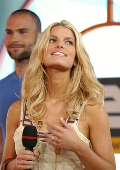"Vanessa Minnillo during Jessica Simpson, Johnny Knoxville and Seann William Scott Visit MTV's ""TRL"" - August 2005 at MTV Studios - Times Square in New York City, New York, United States. Jessica Simpson Daisy Duke, Vanessa Minnillo, Seann William Scott, Dukes Of Hazard, Daisy Dukes, Mtv, Celebrities, Celebs, Famous People"