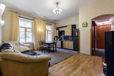 Apartments on Vladimirskay 7 Saint Petersburg Apartments on Vladimirskay 7 is an apartment located in Saint Petersburg, 1.4 km from Church of the Savior on Spilled Blood. The apartment is 2 km from Palace Square.