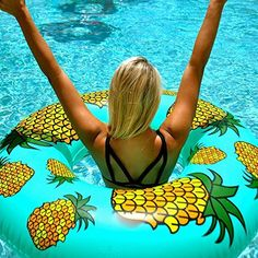 I want this, the pineapple not the girl(wish I had a body like that #fluffyproblems)