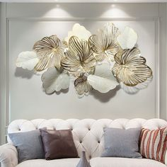 American living room sofa light luxury metal background wall iron wall decoration creative pendant home gold leaf room decor Nordic Living Room, Living Room Sofa, Metal Wall Decor, Wall Art Decor, Gold Wall Decor, Diy Wall, Vintage Industrial Furniture, Iron Decor, Iron Wall