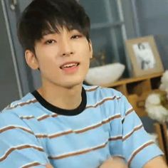 Jeon Wonwoo is the youngest son from chaebol family and Song Yejin from an ordinary family. Diecisiete Wonwoo, Woozi, Jeonghan, Seventeen Wonwoo, Seventeen Debut, Kihyun, Kpop, Rapper, Boo Seungkwan