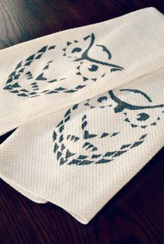 use freezer paper to make decorative hand towels or fabric napkins; Hello Paper Moon: Getting Graphic with Owls