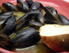Mussels in White Wine Garlic Sauce – Mr. Wonderful's Favorite Meal for Two Mussels White Wine, Crab Boil, Oven Racks, Garlic Sauce, Meals For Two, Light Recipes, Frozen, Appetizers