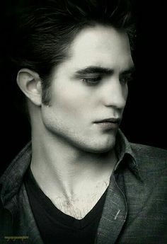 Robert Pattison as the Vampire Edward Cullen
